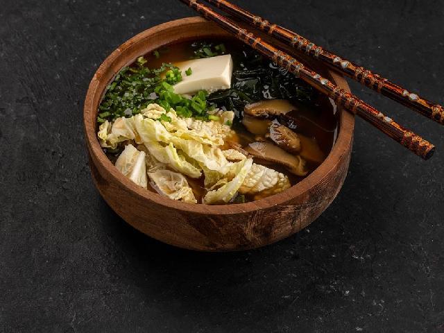 Мисо суп с овощами в Рокет Ролл