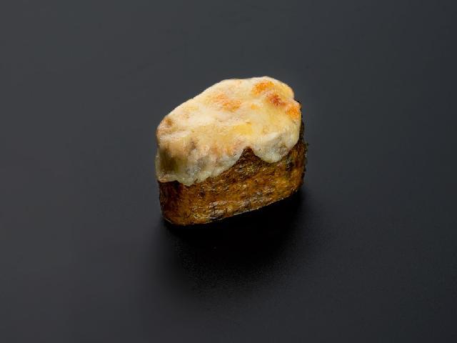 Запеченный гункан с лососем спайси в Рокет Ролл