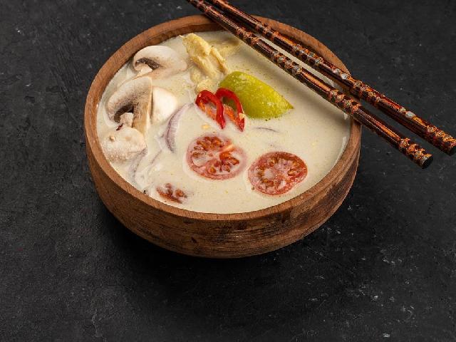 Суп Том Кха в Рокет Ролл